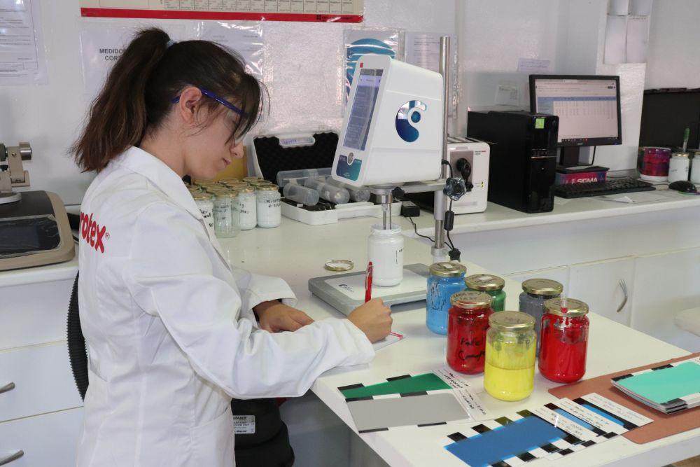 Testeamos nuestros productos en nuestros laboratorios I+D+I